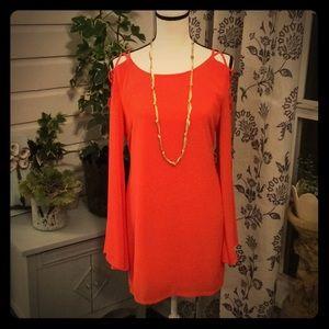 Orange boutique dress/tunic w open bell sleeves.